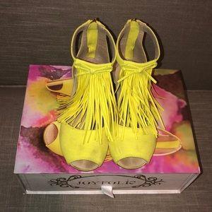 Joyfolie Reese fringe sandals size 1